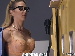 Blonde officer of the law anal fucked