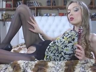 Emmanuel in cool pantyhose video
