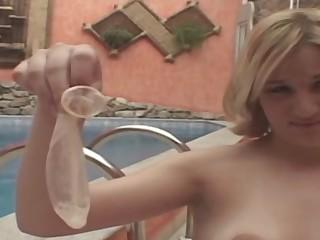 Sara shemale dicking lady on video