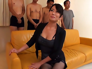 Rei Kitajima, Mature Asian Chick Enjoys A Double Blowjob
