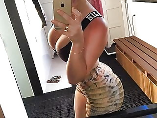 Sexy promoter recepcionist with hot pictures at the end