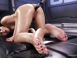 Beautiful italian woman getting ass fucked by machine