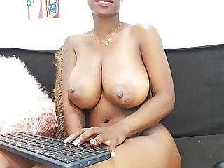 Colombian Ebony MILF Masturbating On Cam